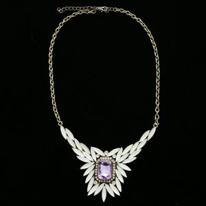 Luxury Crystal Necklace Gold/White NWOT